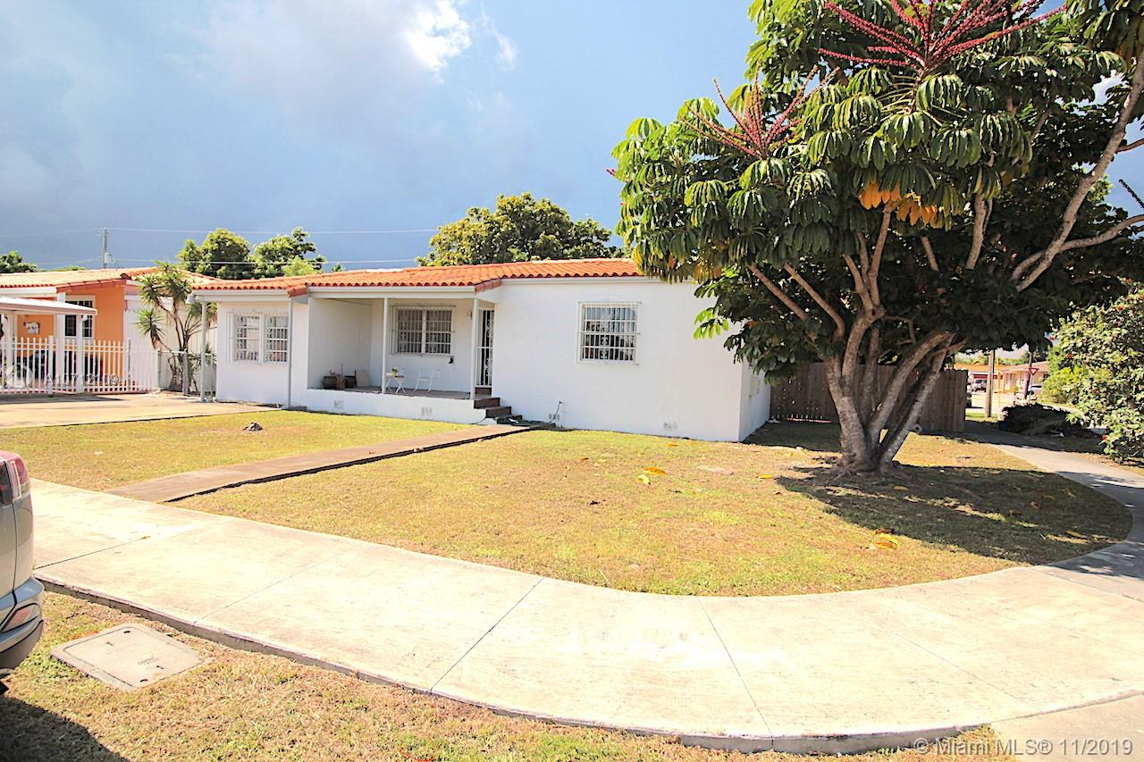 4801 SW 5th St  For Sale A10712109, FL