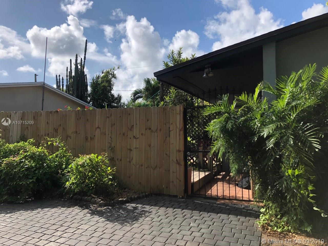 10450 SW 200th St  For Sale A10715209, FL