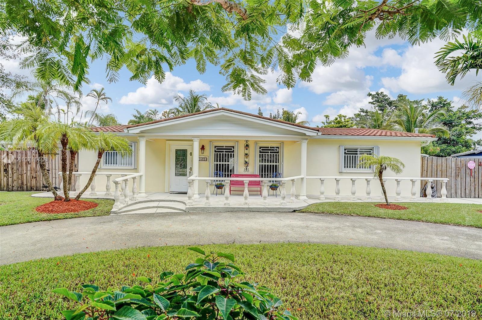 1530 SW 90th Ave, Miami, FL 33174