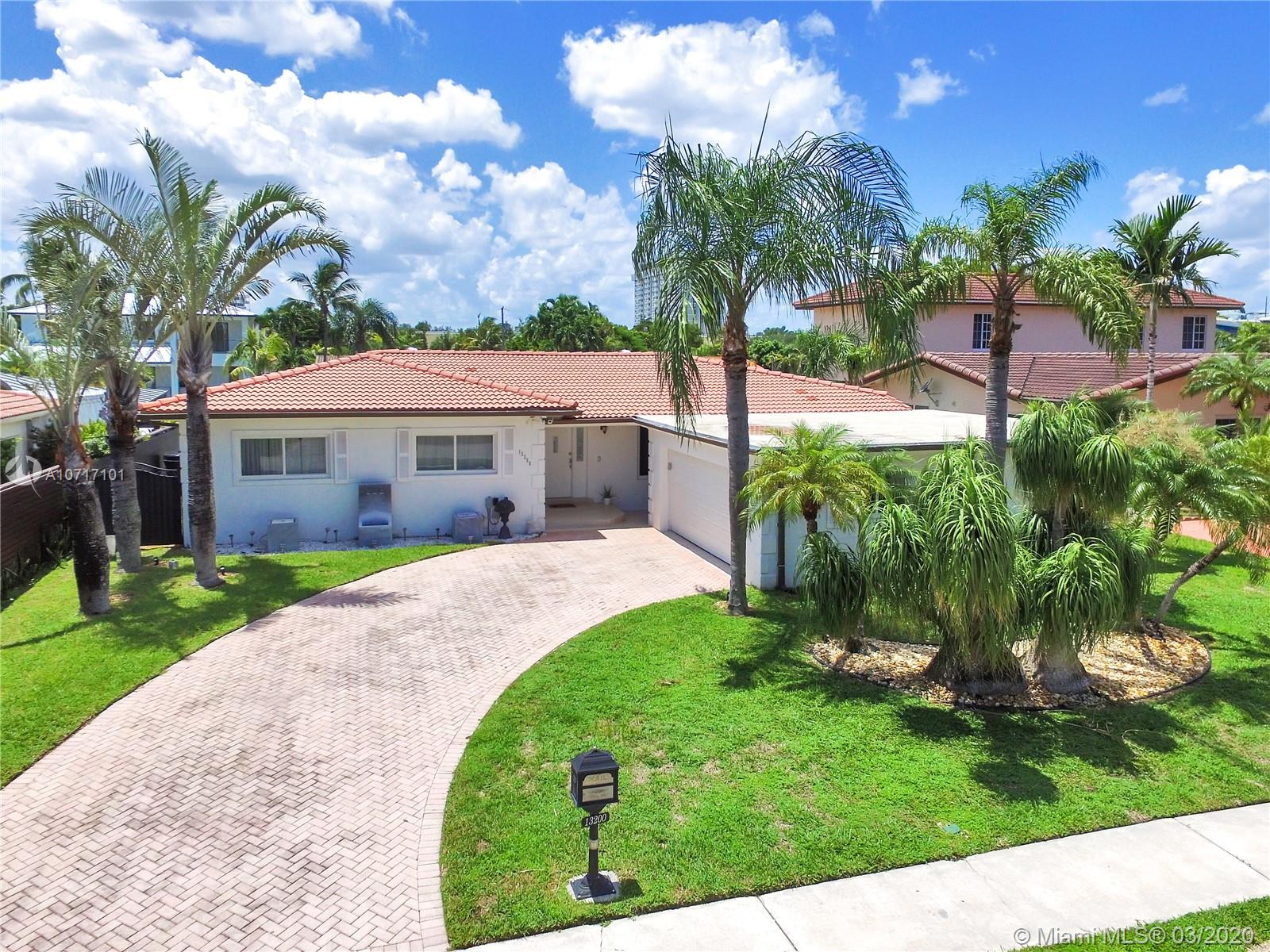 13200  Ortega Ln  For Sale A10717101, FL