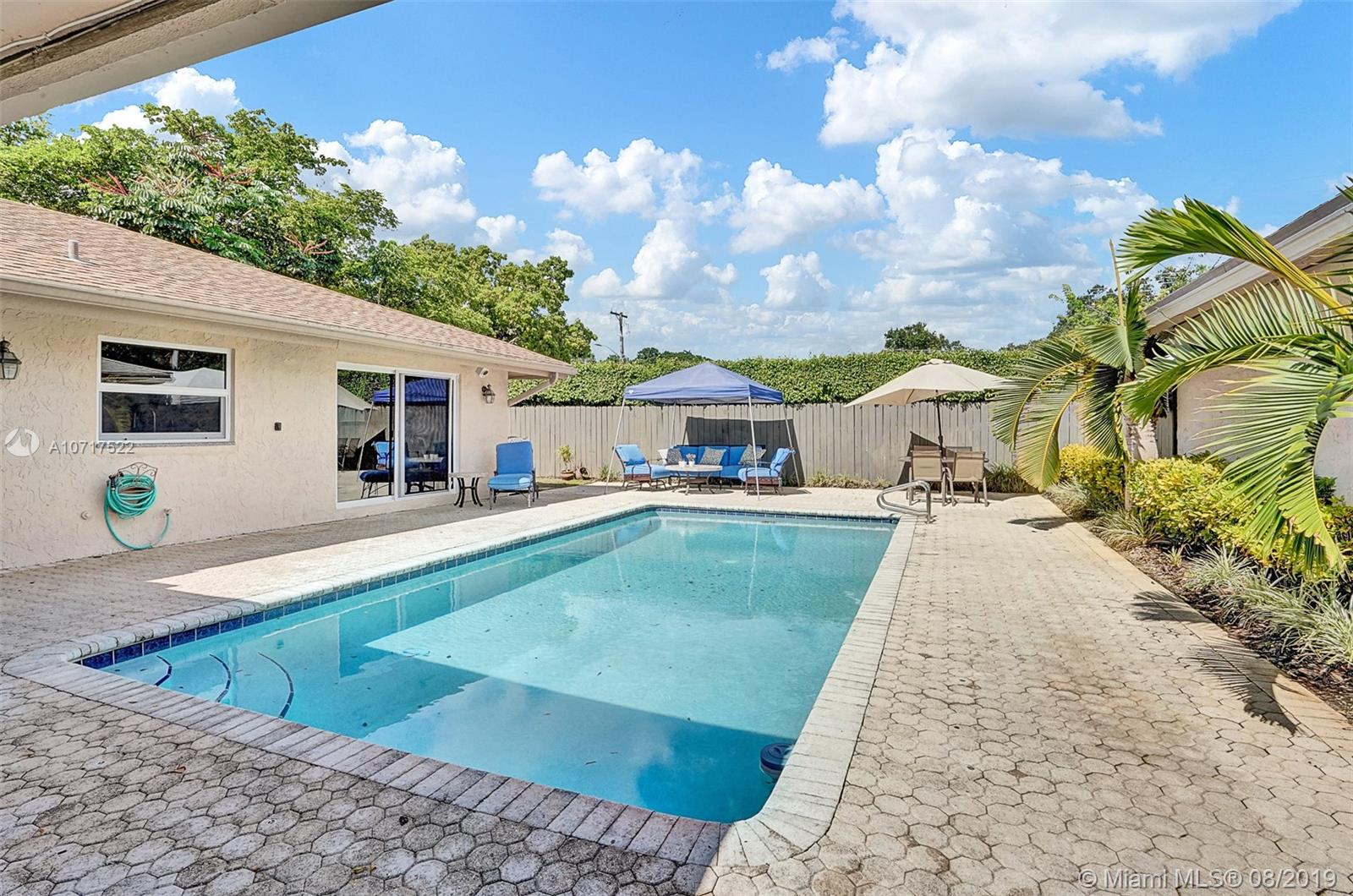 126  Laurel Rd  For Sale A10717522, FL