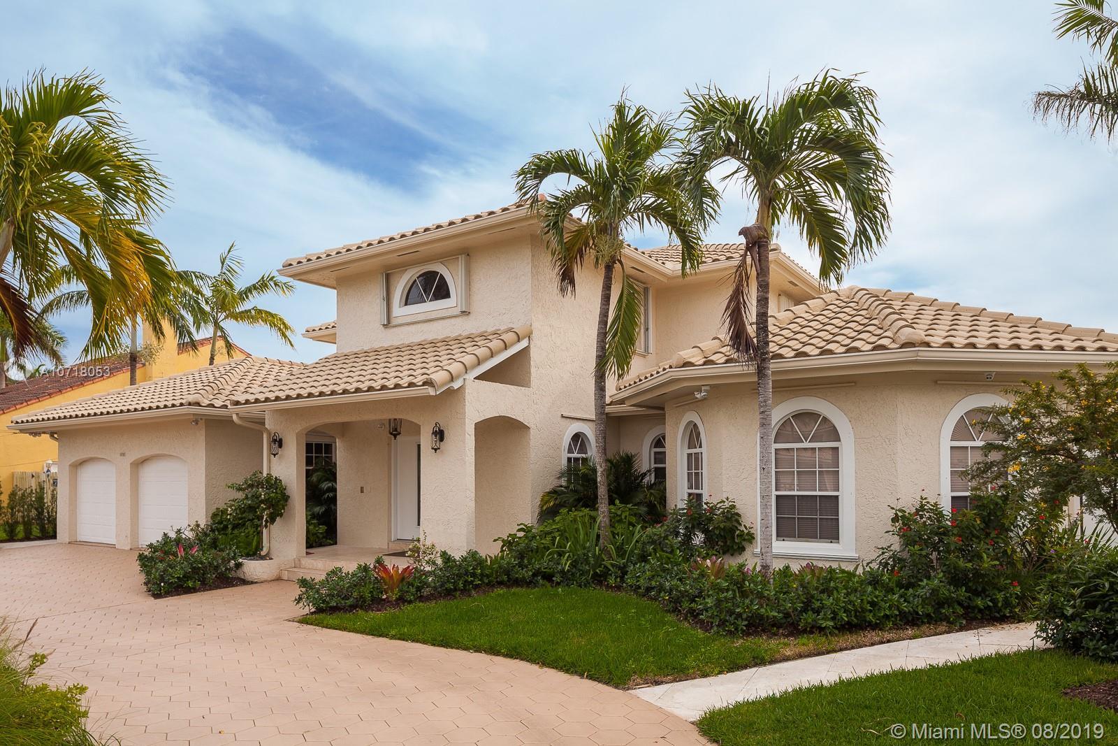 1032  Washington St  For Sale A10718053, FL