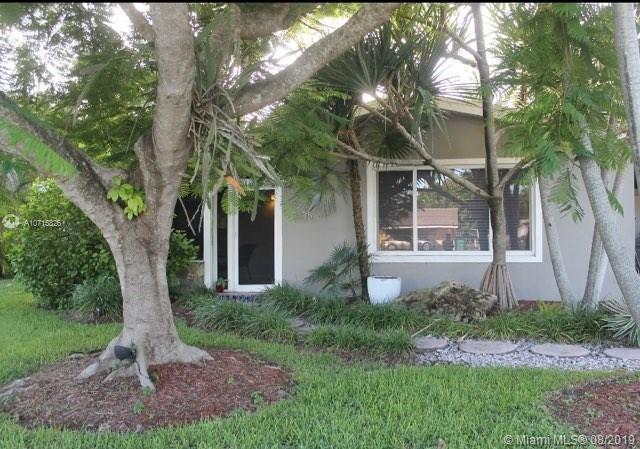 9835  Sterling Dr  For Sale A10715826, FL