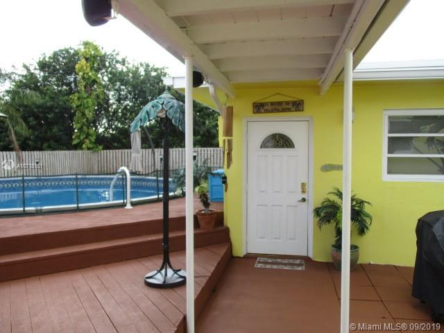 4757 SW 72nd Ave  For Sale A10718181, FL