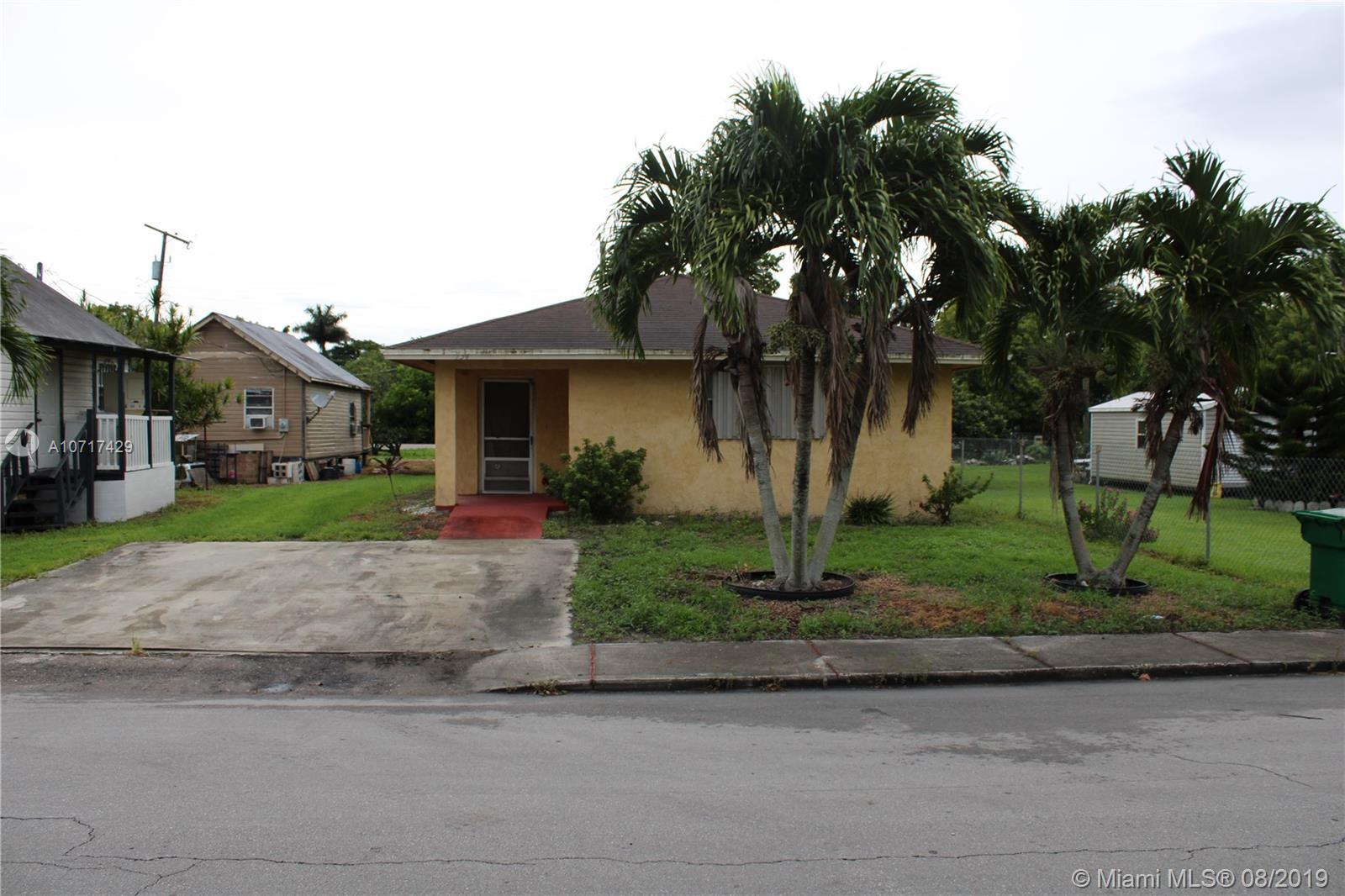 134 Annona Ave, Pahokee, FL 33476
