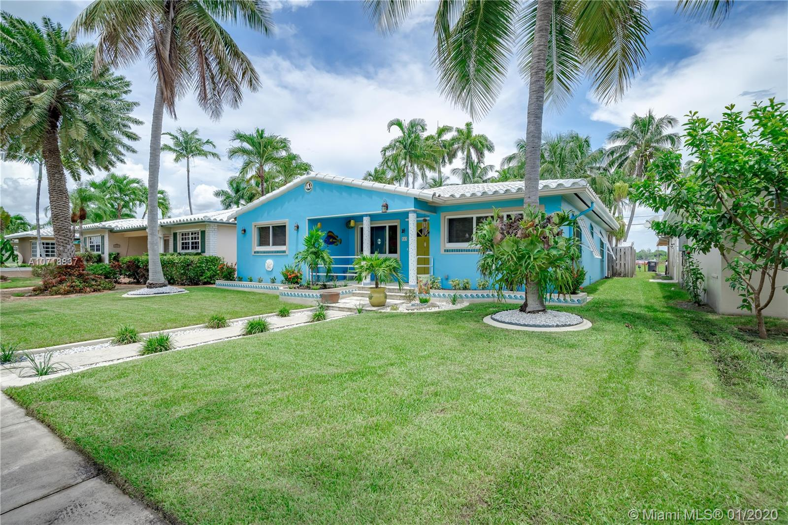 843  Tyler St  For Sale A10718837, FL