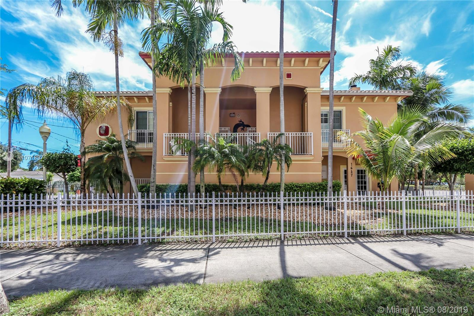 1647  Hollywood Blvd  For Sale A10718975, FL