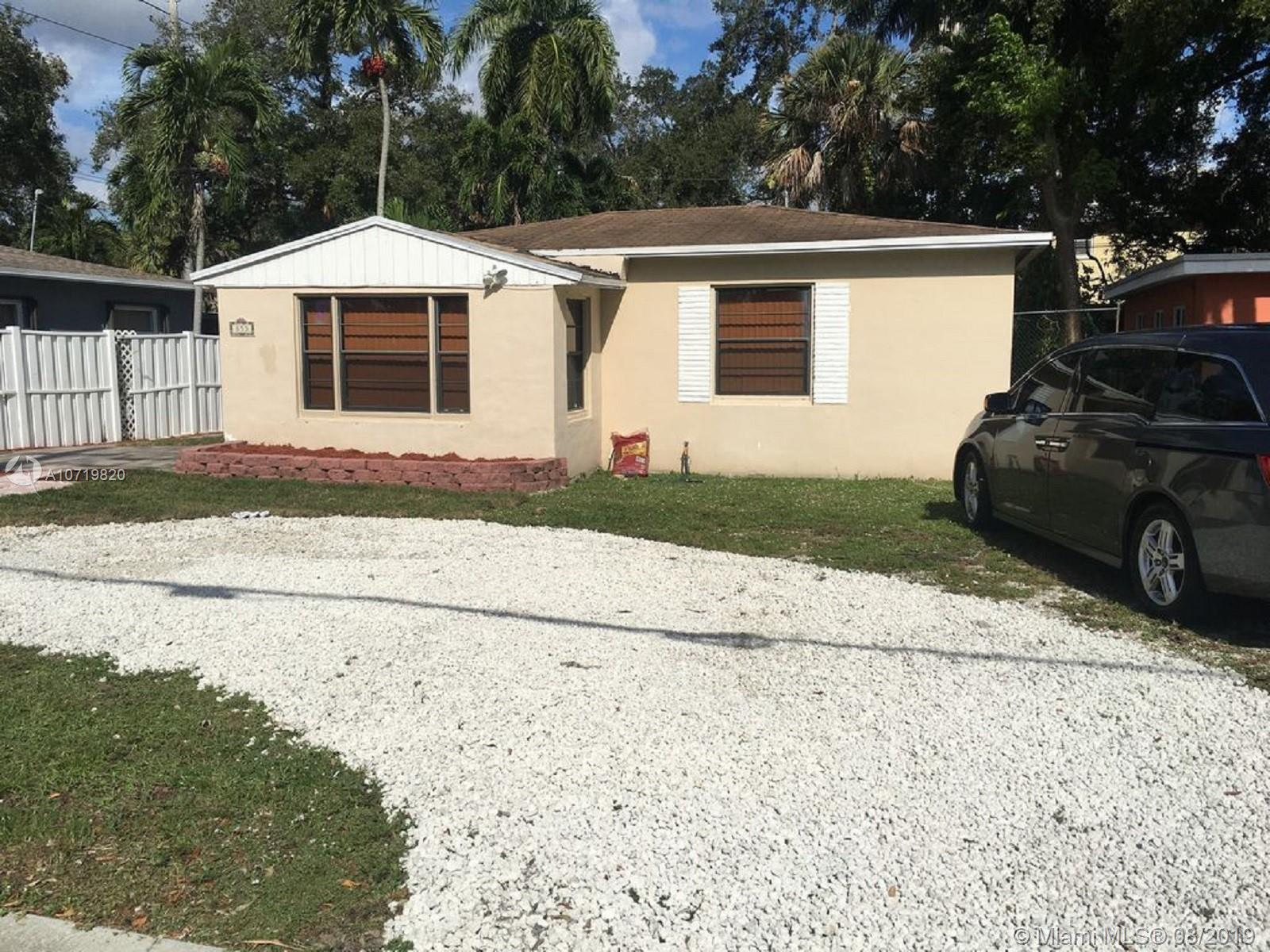 Great House located on Tarpon River  ,  1 mile to Las Olas blvd, 5 minutes driving, 4 miles to best beaches in Fort Lauderdale, investors Dream or YOUR Vacation home. Great location for an AirBnb, or  vrbo,rented 2-1 150.00  to 200.00 a day , plus 1 bedroom 1 bathroom extra 100 a day 2-1 complete house  plus mother in law  or studio , live in 2-1 , and rent studio AirBnb, or  vrbo100 a day big back yard , Big jacuzzy, washer and dryer new, all central ac , listing agent ownerTarpon Riverreduced     will not  last   290.000   original 350.000