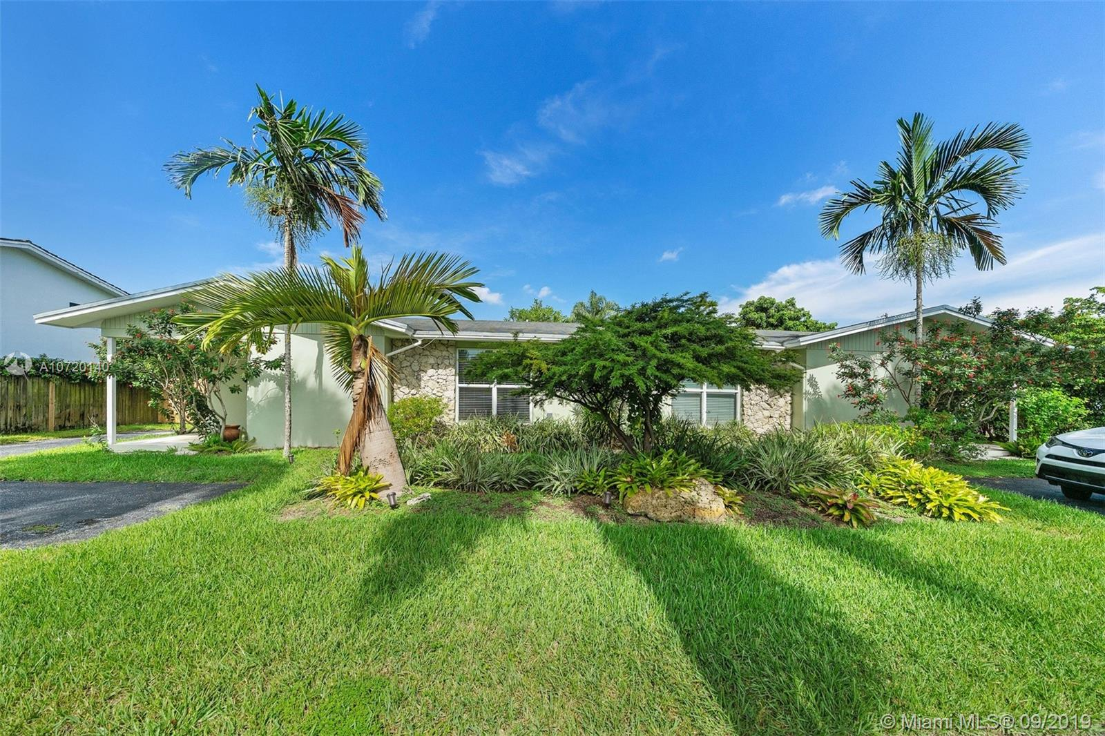 10650 SW 77th Ave  For Sale A10720140, FL