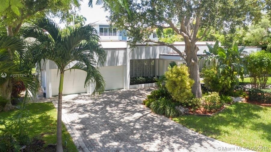 321  Island Dr  For Sale A10717374, FL