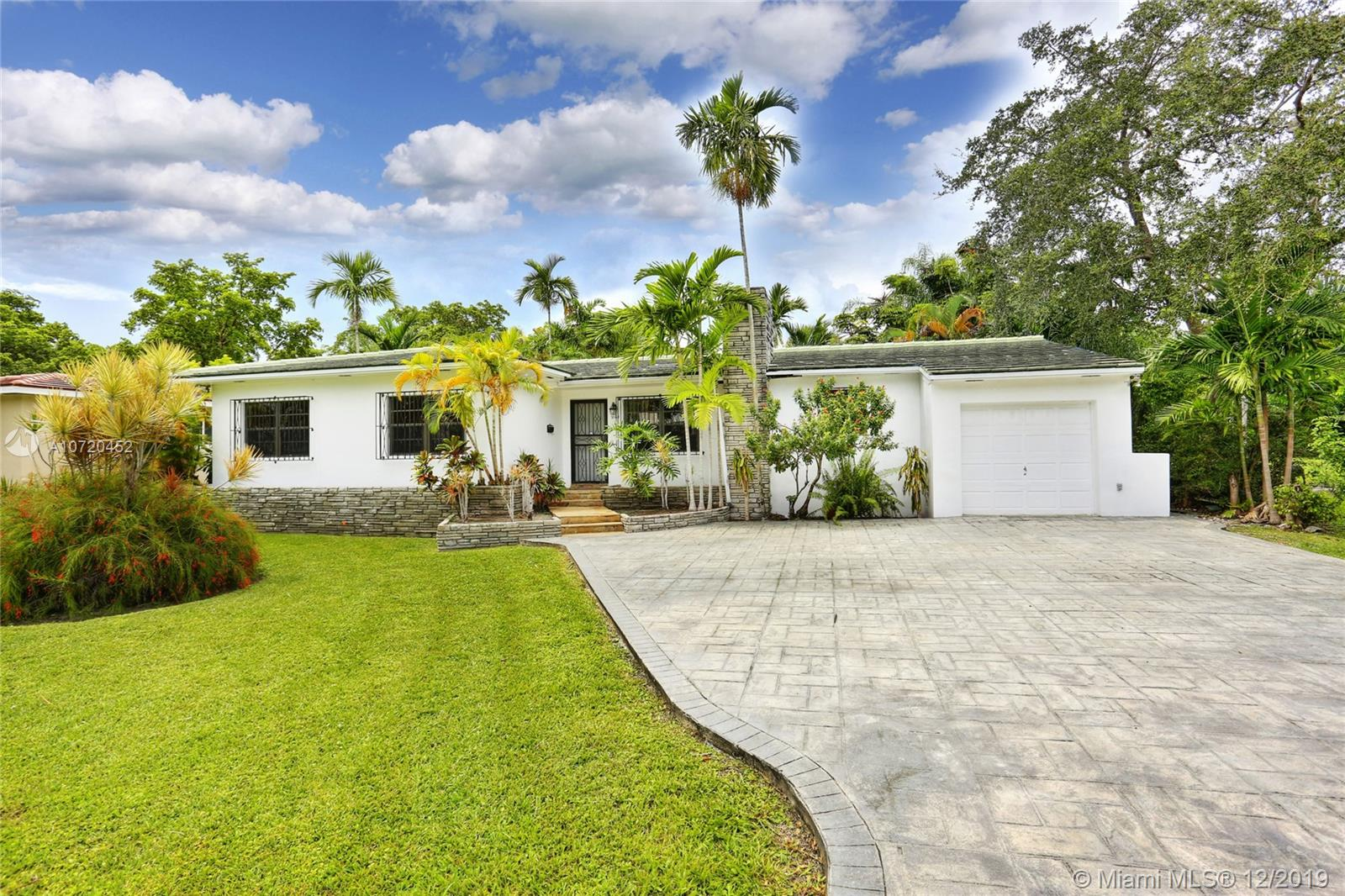3128  Coconut Grove Dr  For Sale A10720452, FL
