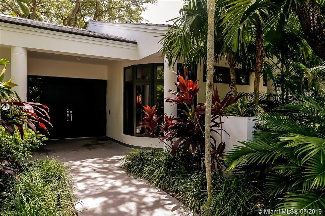560  Campana Ave  For Sale A10719508, FL