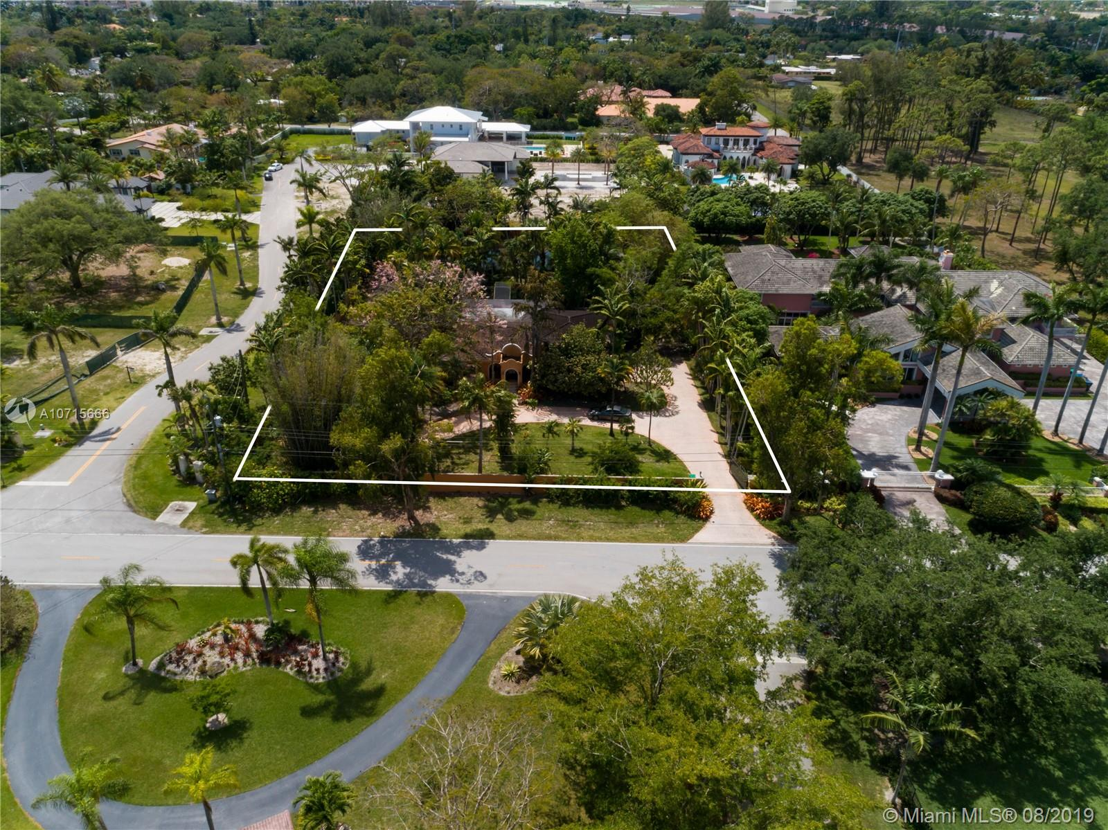6620 SW 82nd Ave  For Sale A10715666, FL