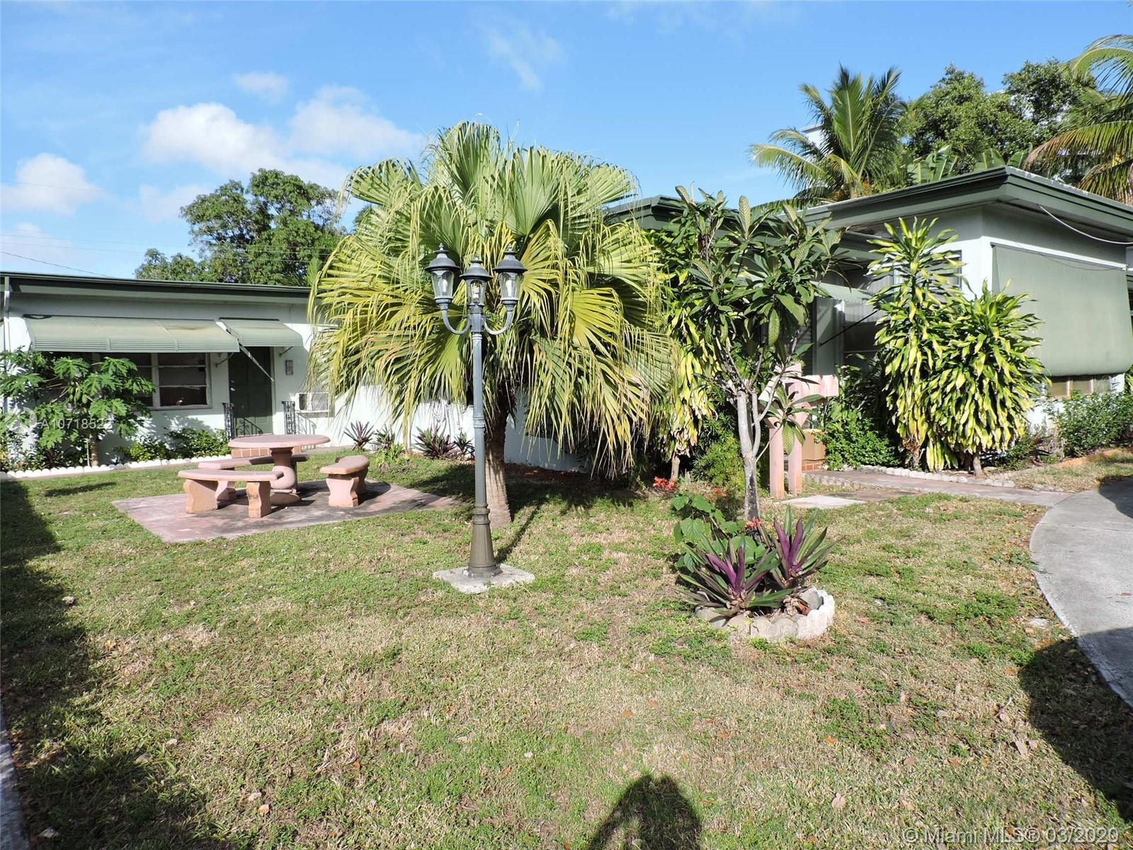1723  Washington St  For Sale A10718522, FL
