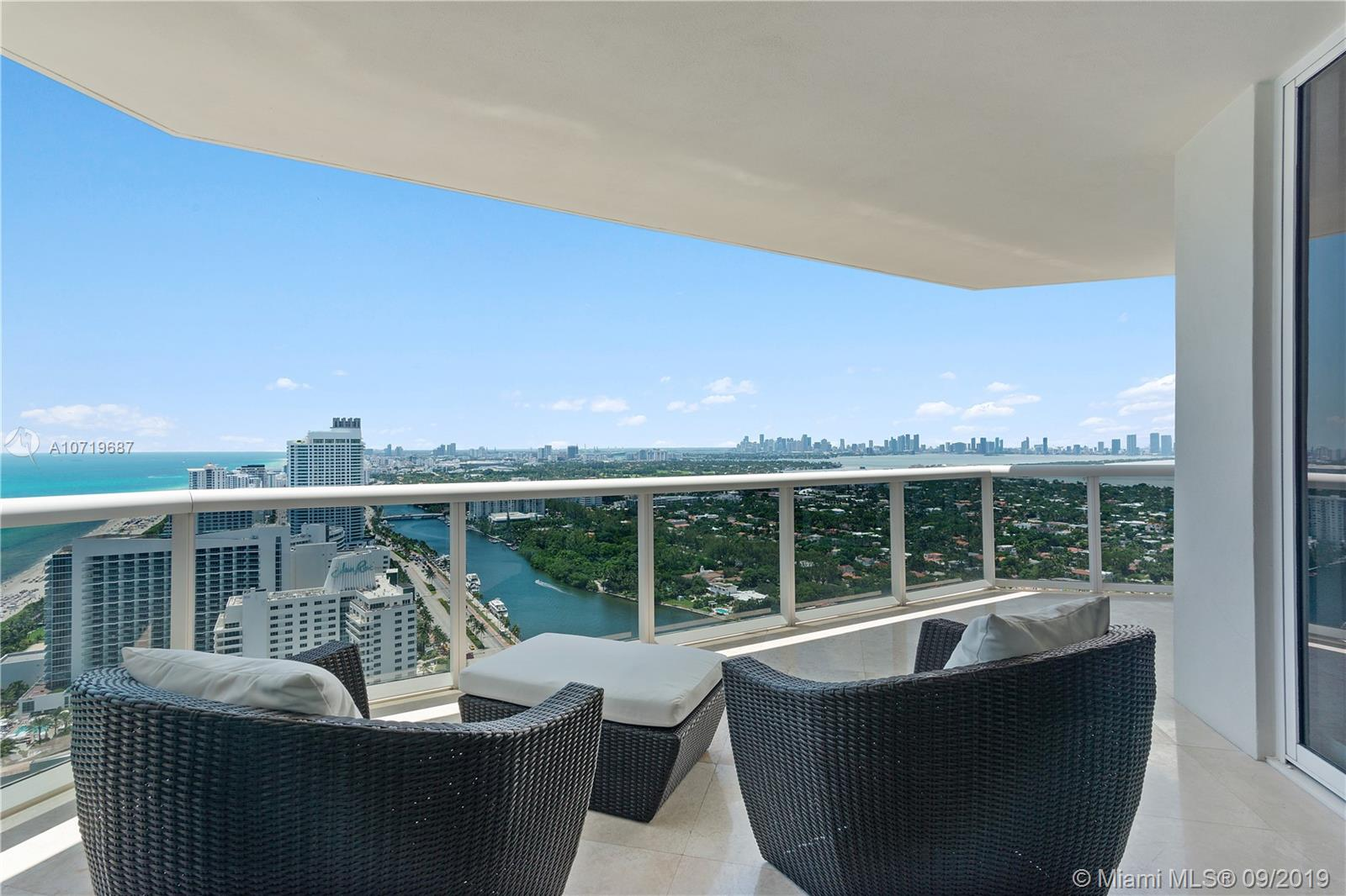 4775  Collins Ave   3804