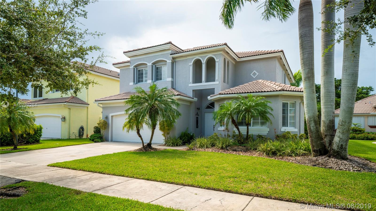2810  Augusta Dr  For Sale A10721254, FL