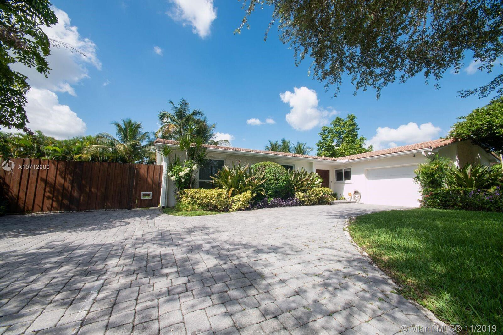 10420 SW 99th St  For Sale A10712900, FL