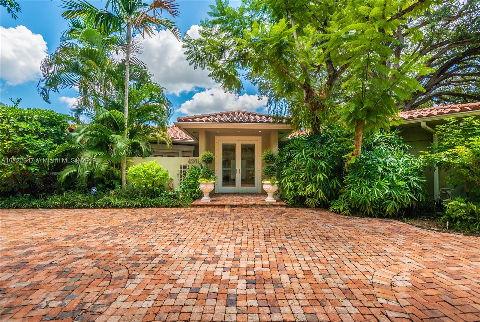 4201  Bay Point Rd  For Sale A10722347, FL