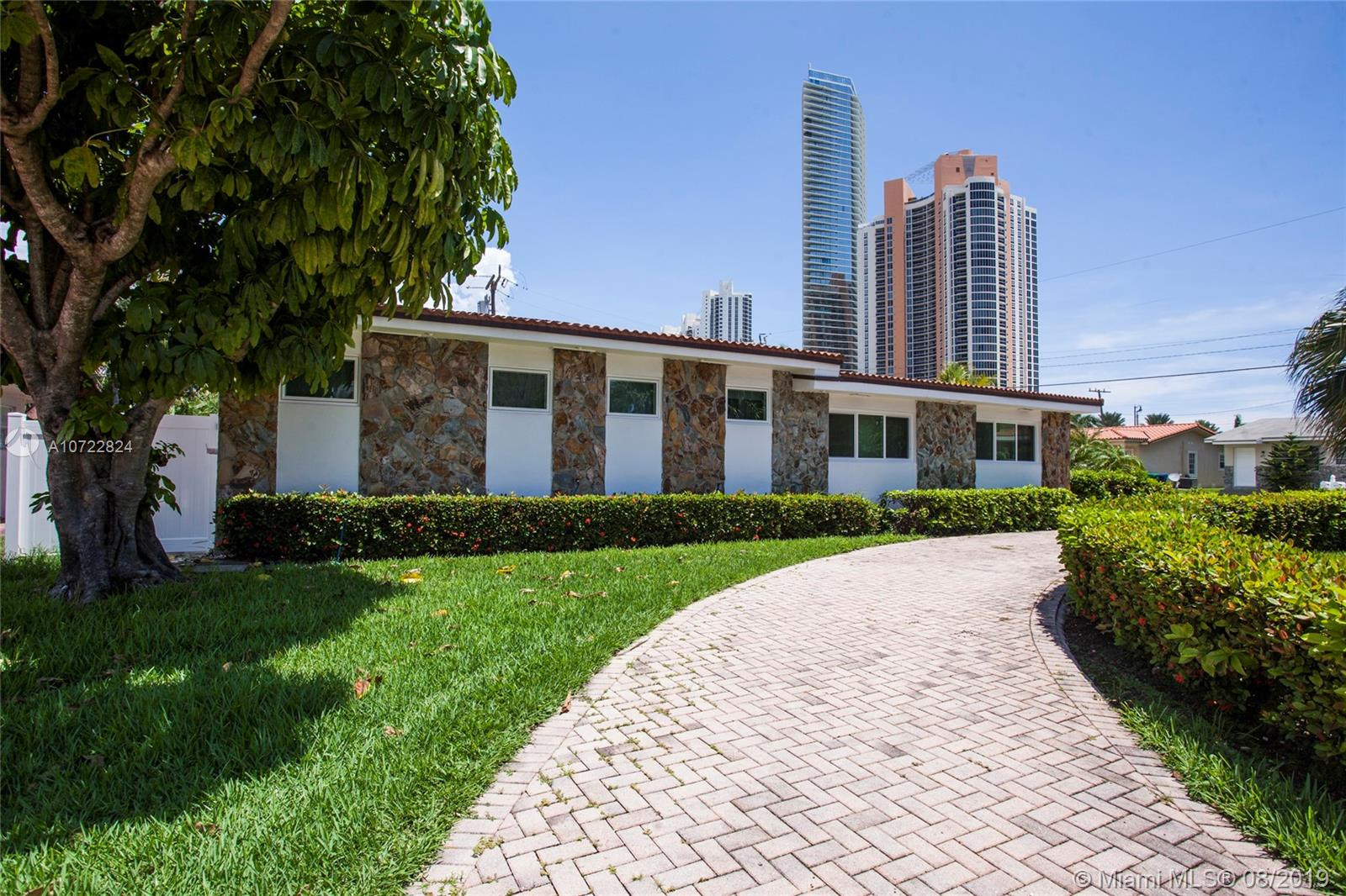 205  187th St  For Sale A10722824, FL