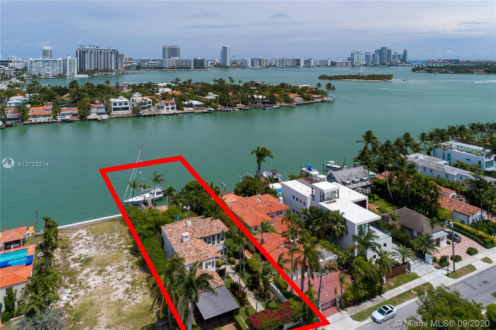 403 E Dilido Dr  For Sale A10723214, FL