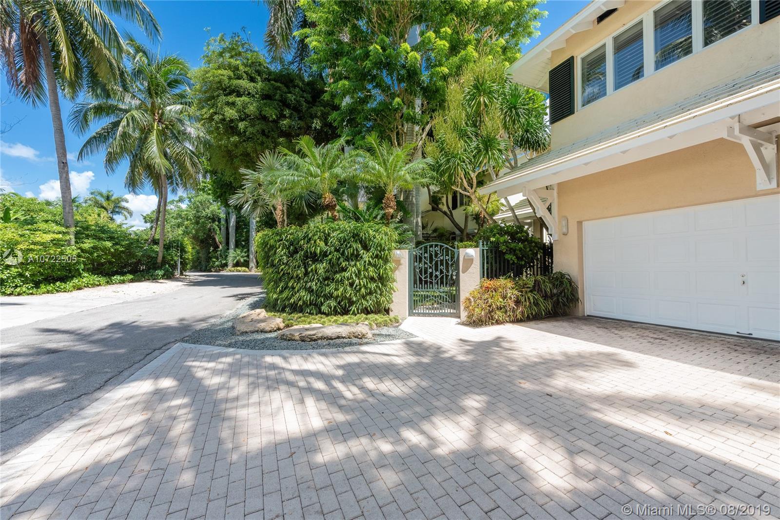 3601 N Bay Homes Dr  For Sale A10722505, FL