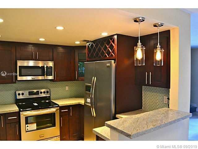3422  Franklin Ave  For Sale A10720547, FL