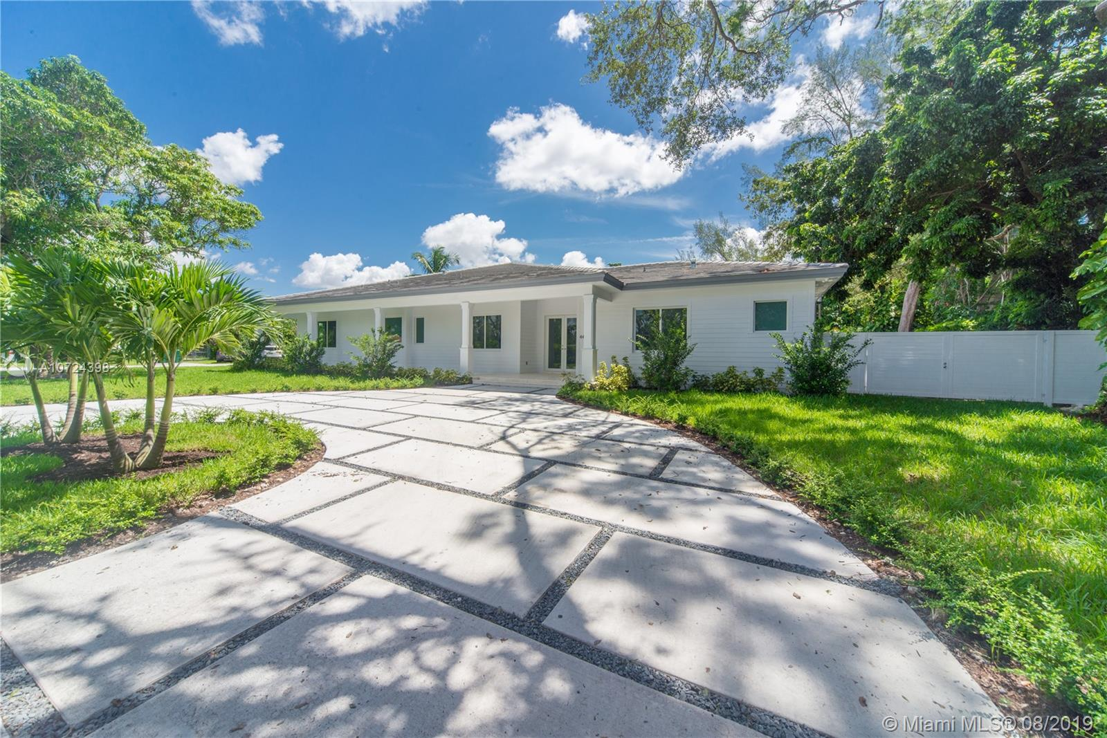 4405 SW 64th Ct  For Sale A10724398, FL