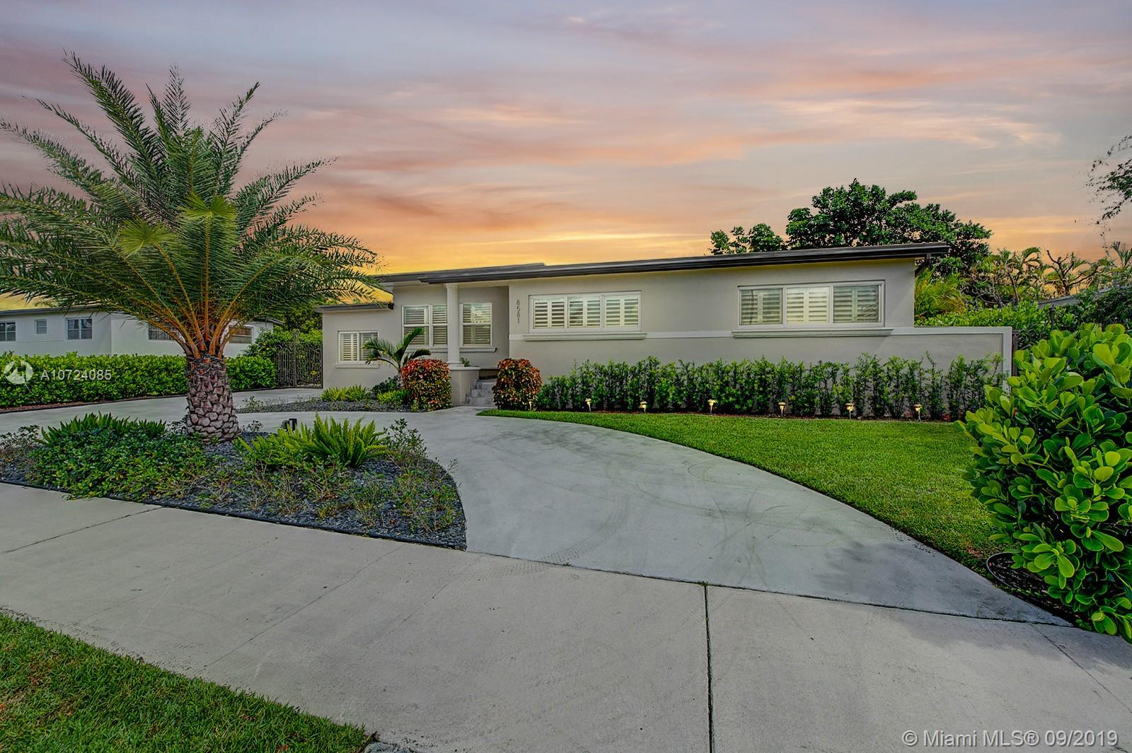 8581 SW 28th St  For Sale A10724085, FL