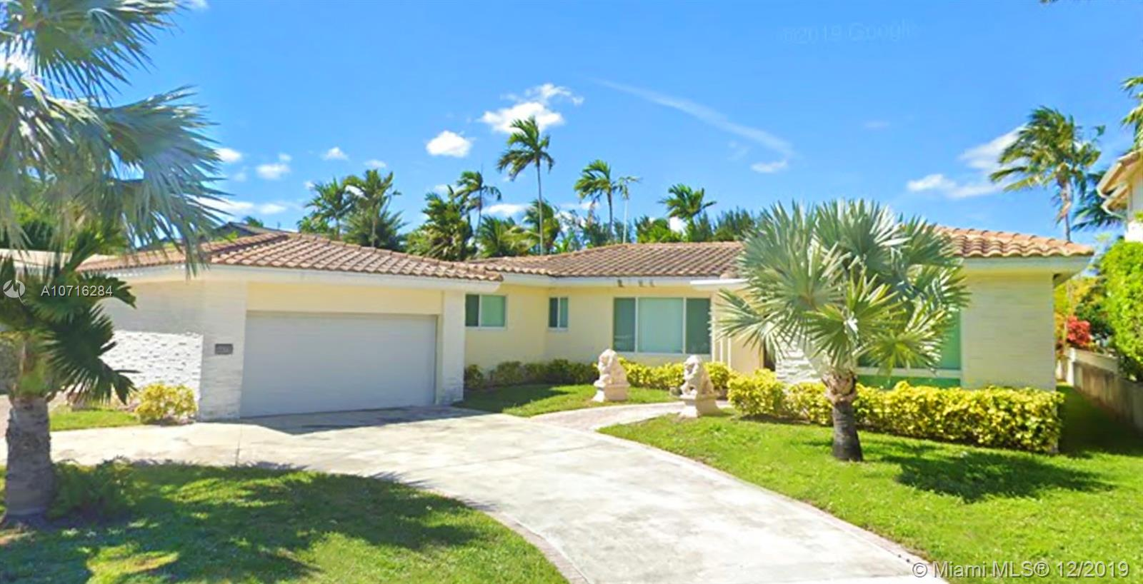 1277  Biscaya Dr  For Sale A10716284, FL