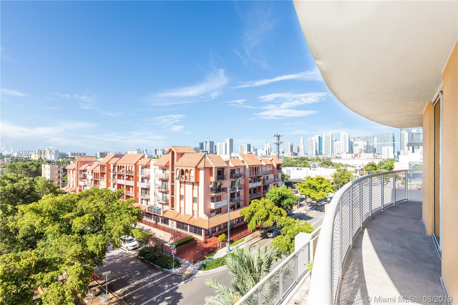 900 SW 8th St #606 For Sale A10724857, FL
