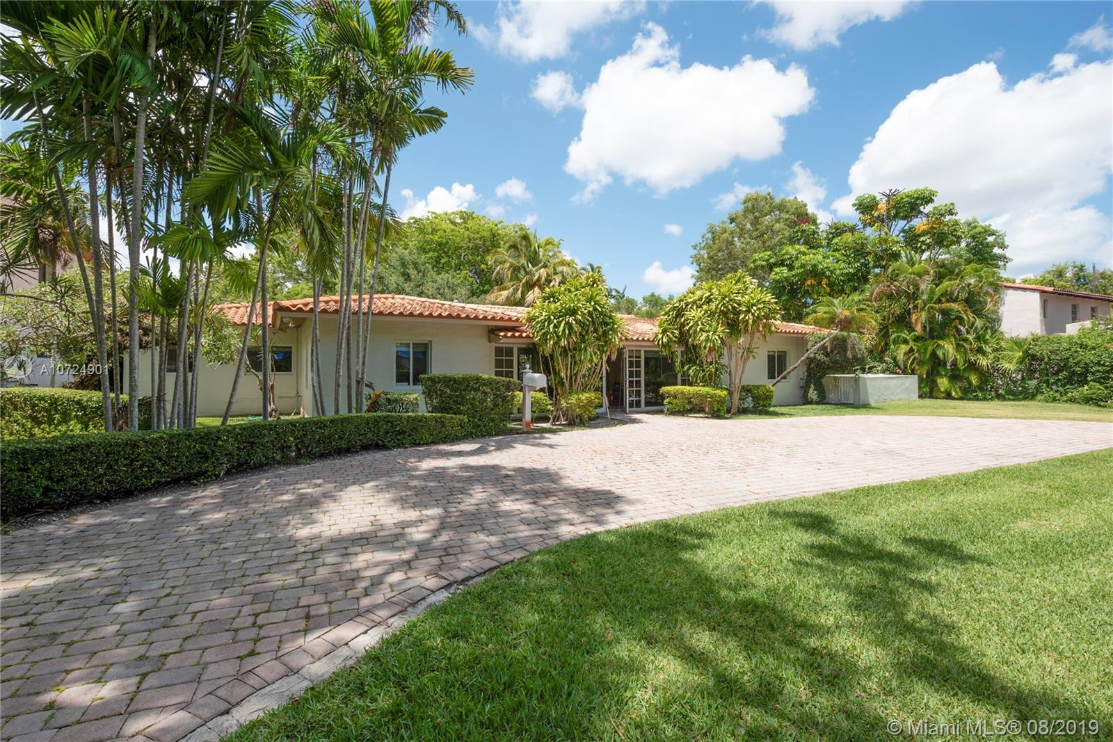 3211  Riviera Dr  For Sale A10724901, FL
