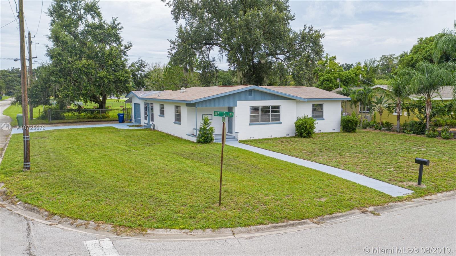 690  AVE D NE  For Sale A10725078, FL