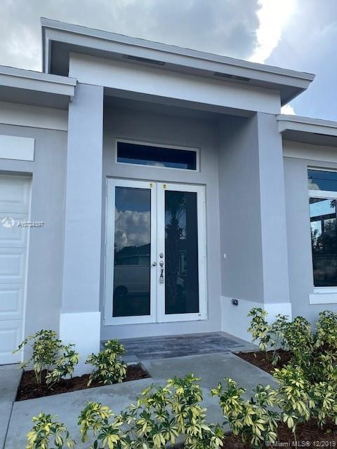 452 SW Fifer Ave, Port St. Lucie, FL 34953