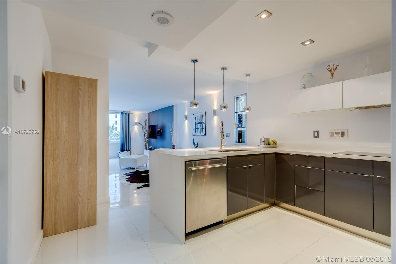 2301  Collins Ave #612 For Sale A10725752, FL