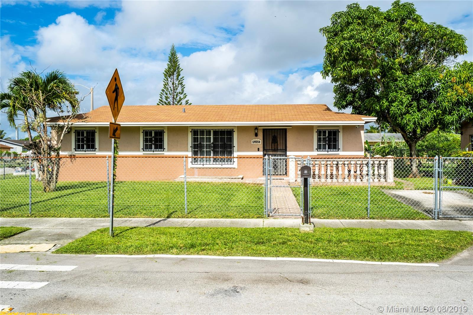 14550 SW 105 ave  For Sale A10726780, FL