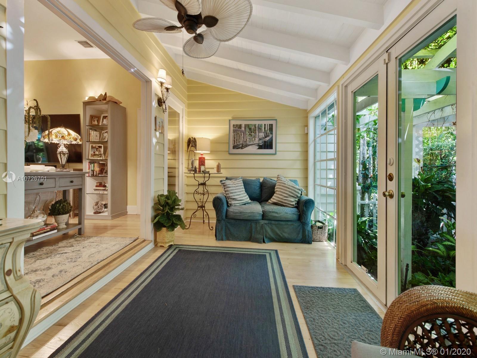 3671 N Bay Homes Dr  For Sale A10726701, FL
