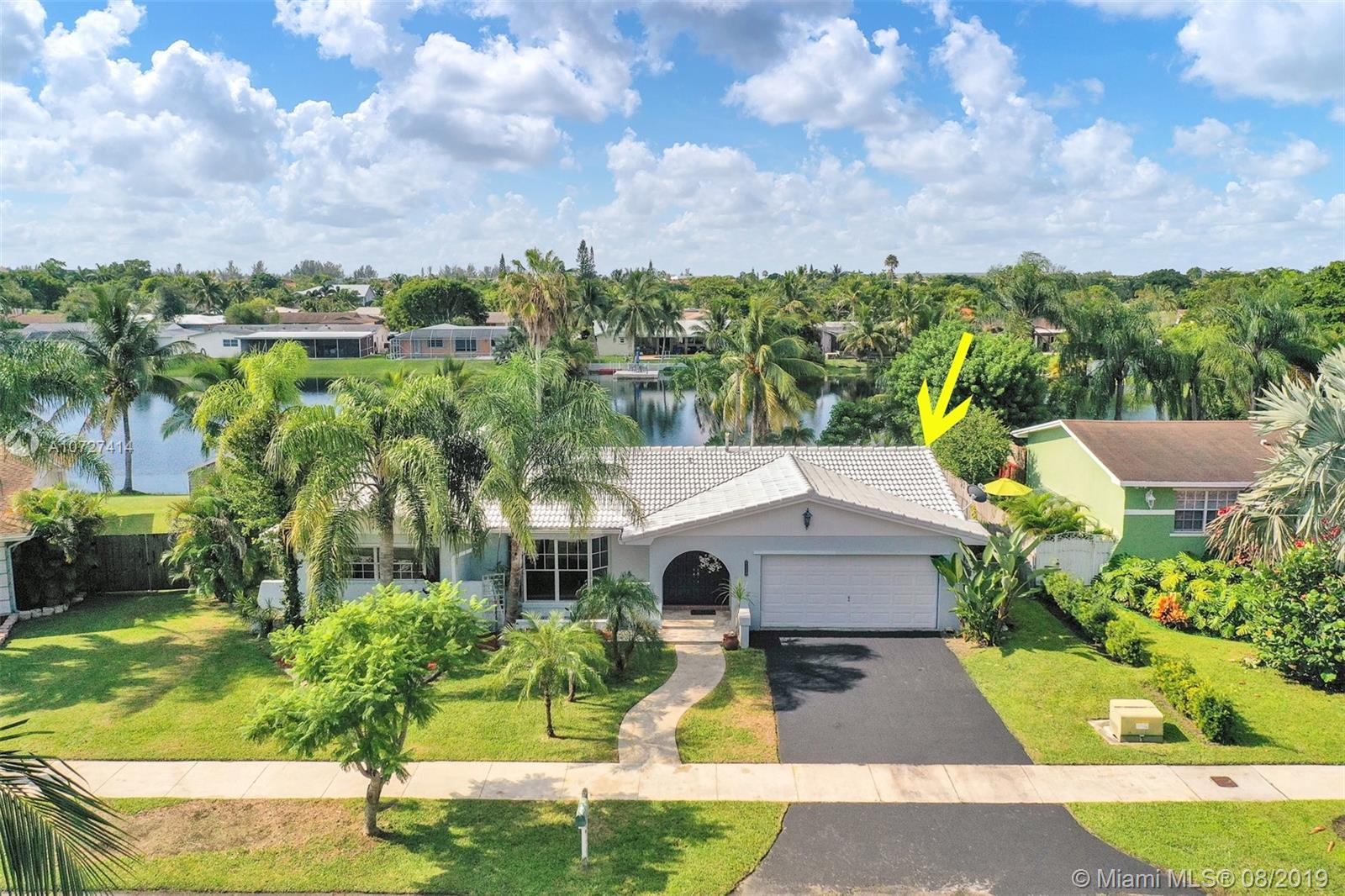8224 SW 201st Ter  For Sale A10727414, FL