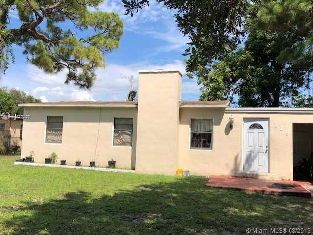 215 SW 21st Way  For Sale A10728122, FL