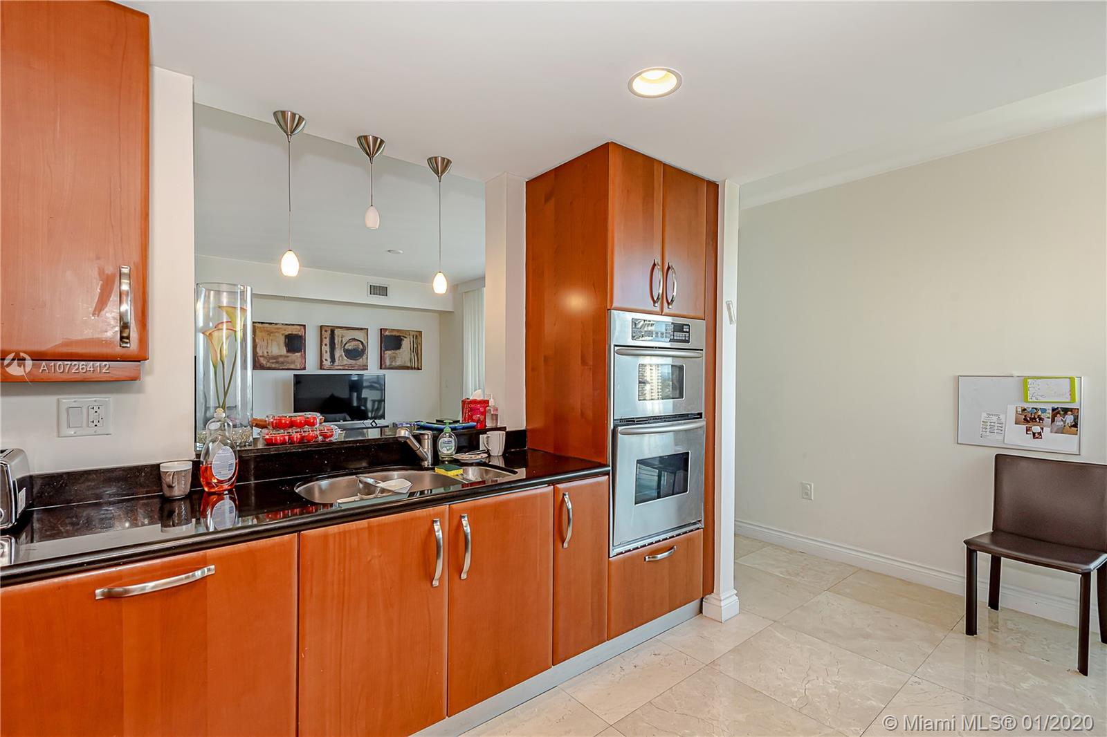 19400  Turnberry Way #1232 For Sale A10726412, FL