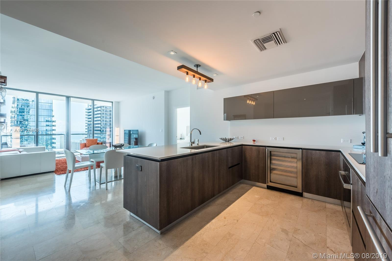 88 SW 7th St #3403 For Sale A10728808, FL