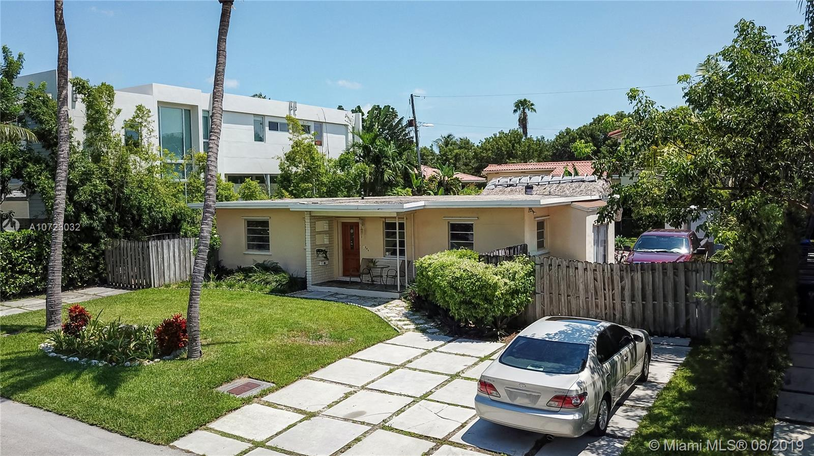 794  Curtiswood Dr  For Sale A10723032, FL