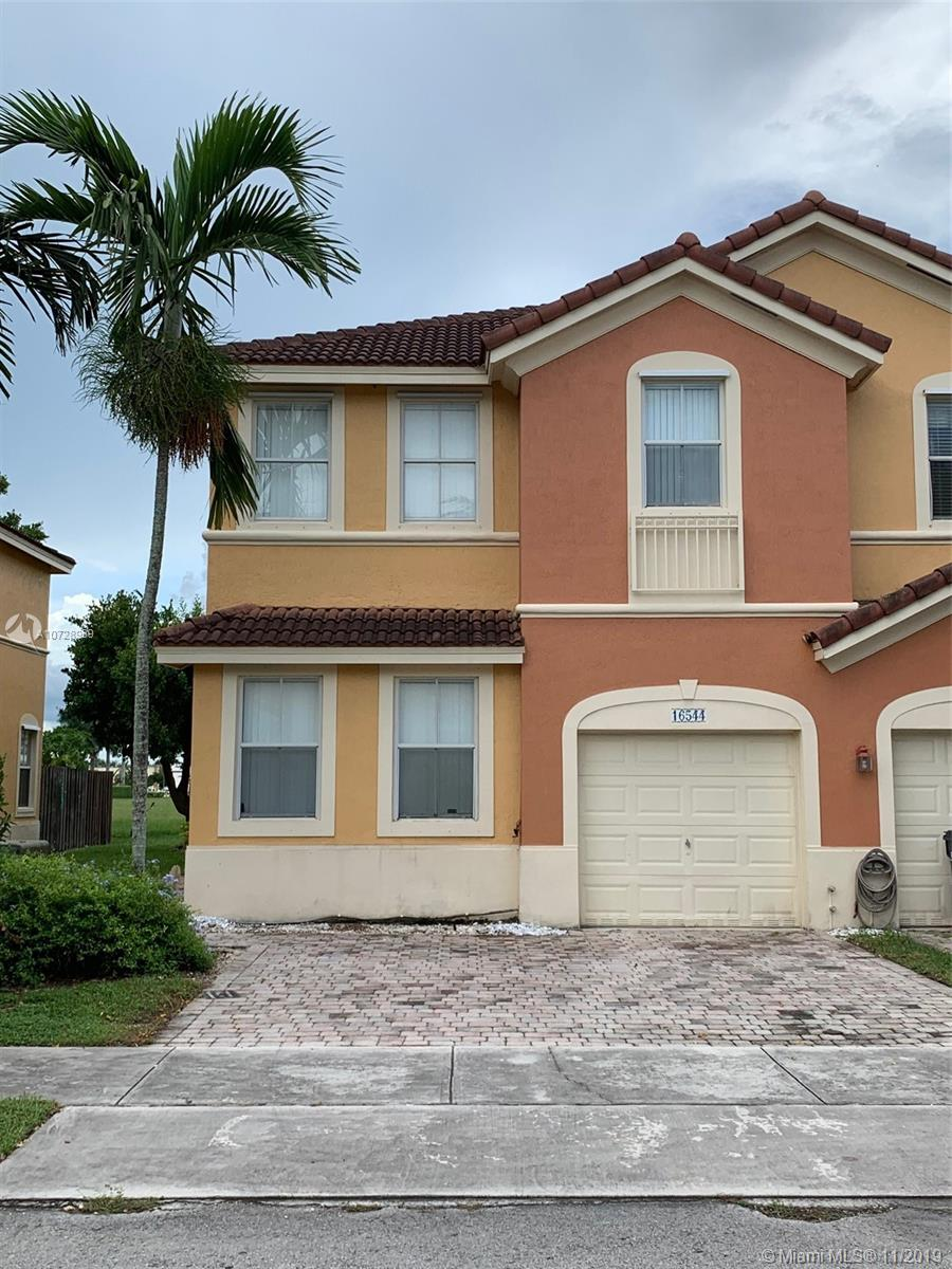 16544 SW 85th Ln  For Sale A10728959, FL