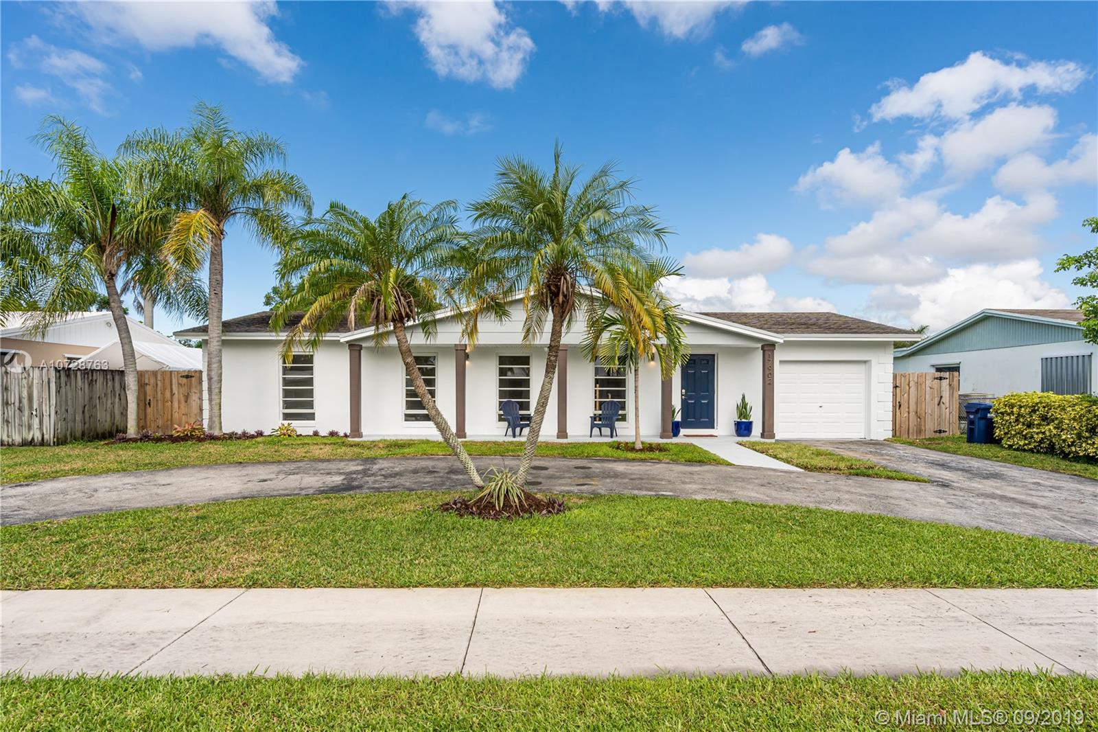 17902 SW 89th Ct  For Sale A10728763, FL