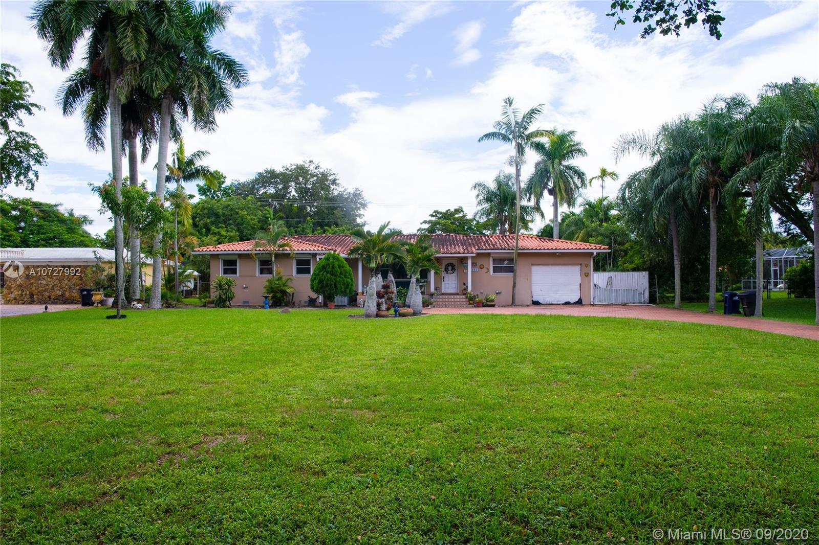 940  Hunting Lodge Dr  For Sale A10727992, FL