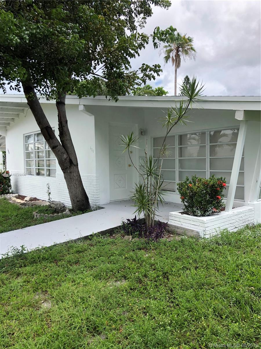 138 SW 24th Ave  For Sale A10729806, FL