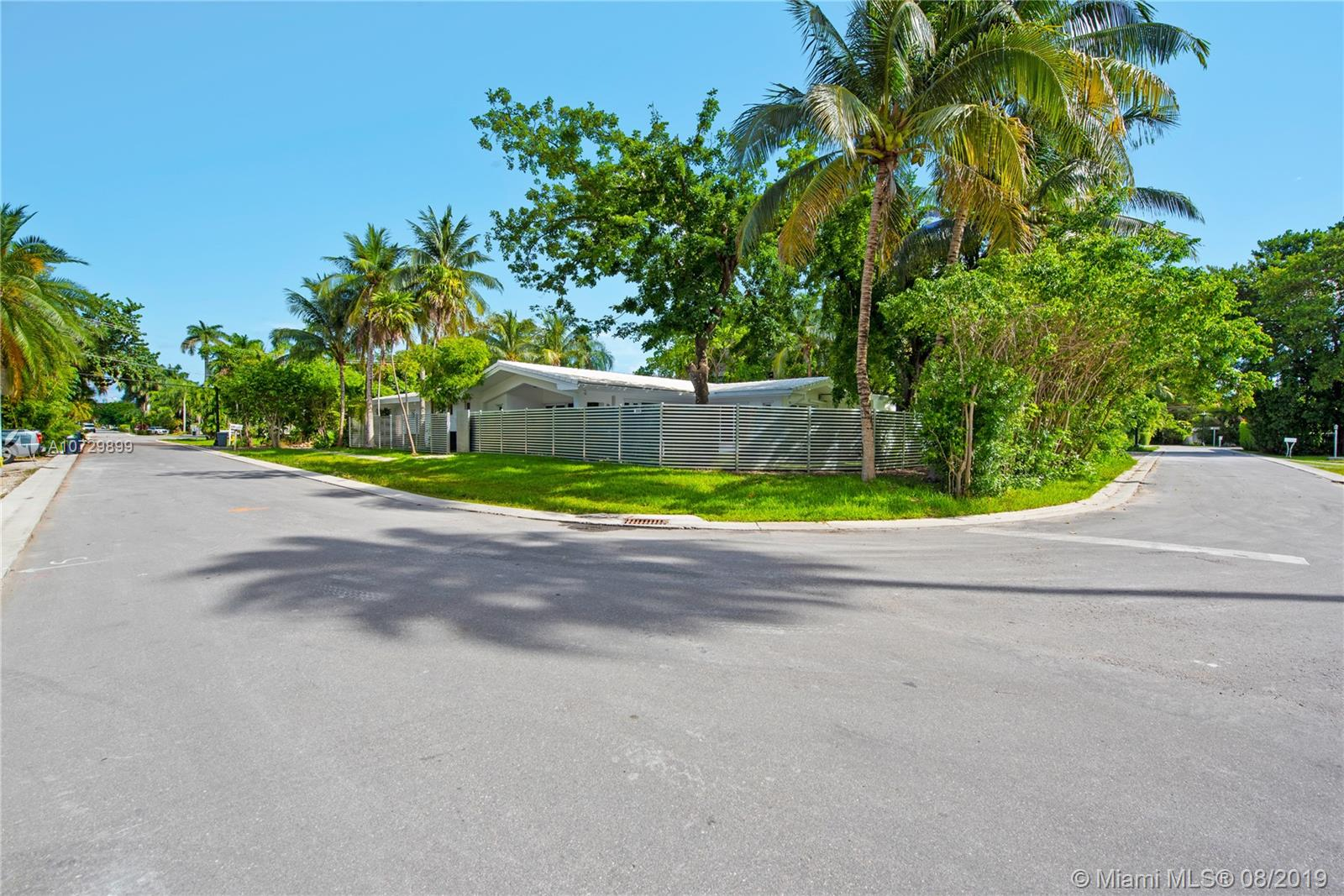 250 N Hibiscus Dr  For Sale A10729899, FL