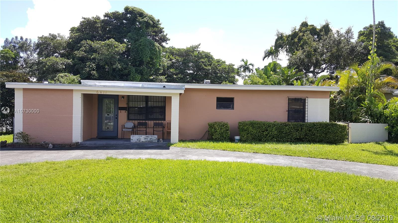Estate sale in South Miami has been approved by the court. This 3 bedroom 2 baths needs some updating, family room, 2 year old roof, nice size lot of over 10,000 sq ft with room for an addition and a pool. The seller is taking the chandelier in the dining area.