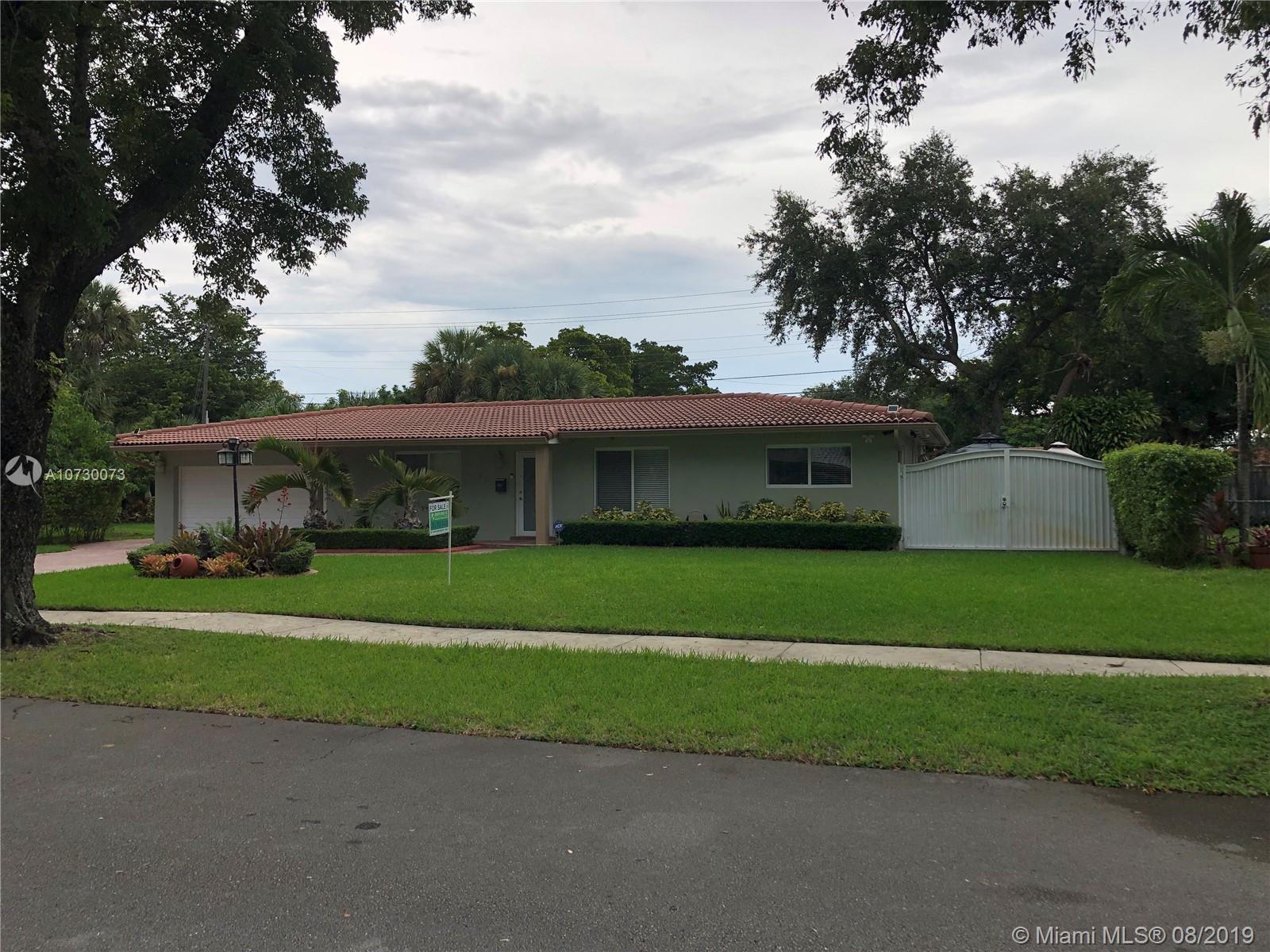 6301 Lake Geneva Rd, Miami Lakes, FL 33014