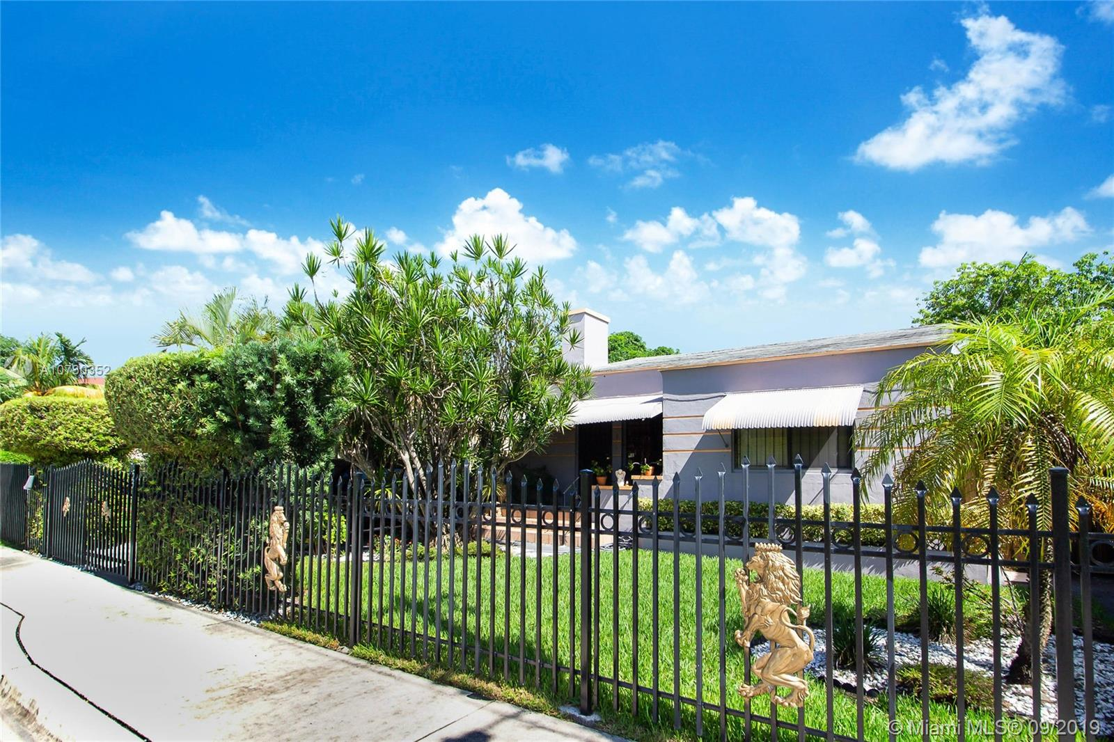 53 NW 38 Street  For Sale A10730352, FL