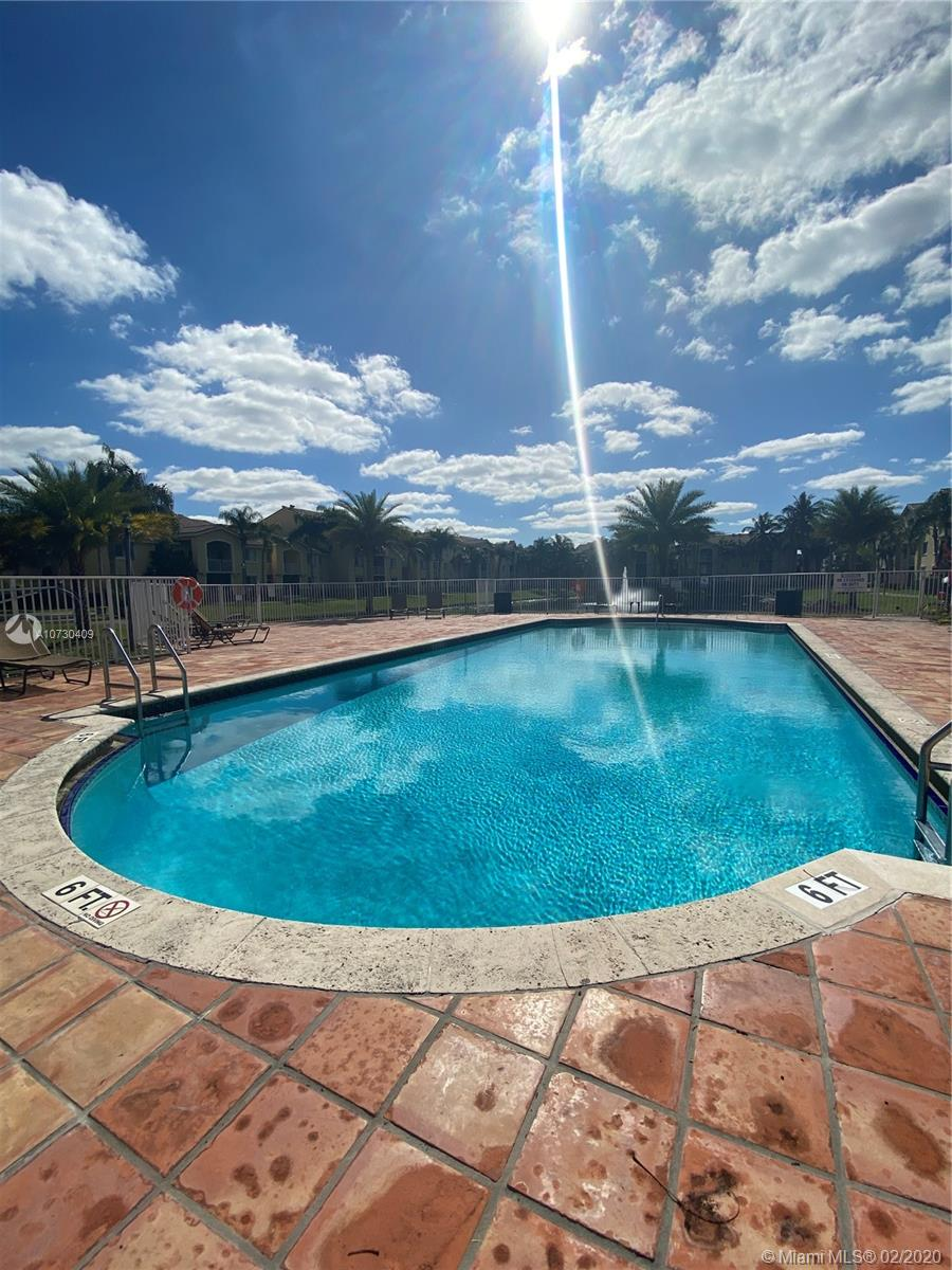 2620 S University Dr #311 For Sale A10730409, FL